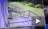 Видео из Магадана: Годовалая девочка получила травму головы после падения снега с крыши