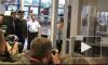 Глава МВД Германии тестирует новый сканер тела в аэропорту Гамбурга