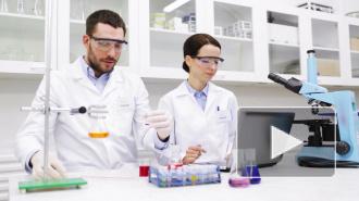 Франция успешно испытала лекарство против коронавируса