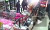Жесткое видео из Екатеринбурга: неизвестные зверски избили продавца