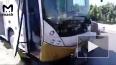 Видео из Египта: Рядом с туристическим автобусом около п...