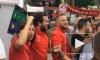 Люди в масках избили стульями футбольных фанатов из Ливерпуля в центре Киева