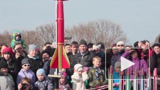 У Петропавловки ракетами дырявили небо