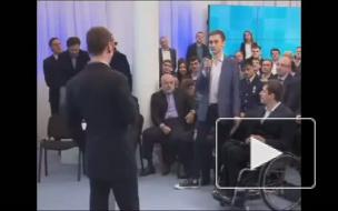 Медведев будет писать не только в Twitter, но и в Facebook