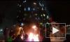 Видео из Петропавловска-Камчатского: Дед Мороз и Снегурочка чуть не сожгли городскую елку