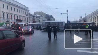 Невский проспект перекрыли в районе Думской