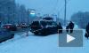 Внедорожник влетел на остановку и сбил девочку на улице Жака Дюкло