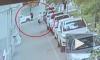 Видео: В Китае мужчина поймал ребенка, который выпал с 5 этажа