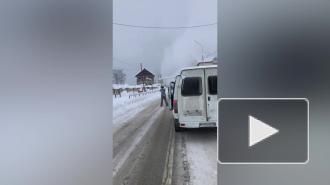 Поиски пострадавших от схода лавины на Домбае осложняет мокрый снег