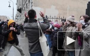 Вот что говорят петербуржцы, которые вышли на защиту сквера в Кузнечном переулке