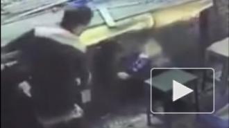 Жуткие кадры из Китая: Станок снял скальп с женщины (18+)