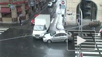 Такси против грузовика. Авария на Большом проспекте П.С.