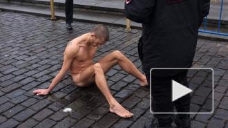 Видео прибивания мошонки к Красной площади (18+)