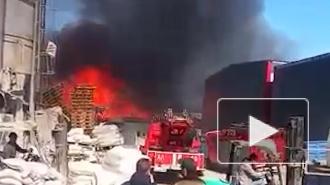 Спасатели локализовали пожар на производстве на Химическом переулке