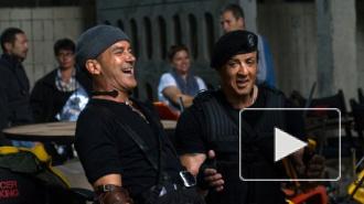"""""""Неудержимые 3"""" (2014): Сталлоне и Шварценеггер помирились на съемках, забыв о старых конфликтах"""