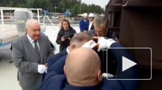 Александр Дрозденко принял участие в закладке ледового корабля в Выборге