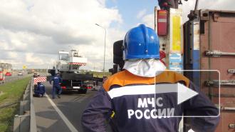 """Расследуется происшествие с фурой """"Даф"""" на ЗСД, которая перегородила дорогу на съезде КАД"""