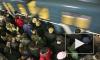 Пассажиркам питерского метро угрожает самоудовлетворитель