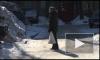 Угрозы нет. Сотрудники МЧС фотографируются на фоне разрухи во 2-ом Рабфаковском