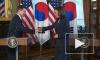 Вице-президента США раскритиковали за невежливый жест