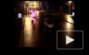 Лихач на Конюшенной ударил микроавтобус и удрал