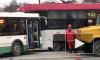 В Василеостровском районе автобус врезался в трамвай
