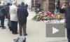"""К вестибюлям """"Сенная площадь"""" и """"Технологический институт"""" продолжают нести цветы и свечи"""