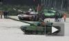Танковый биатлон 2014 подходит к концу: идет спортивный этап соревнований, лидирует Россия, в ход пошли гранаты