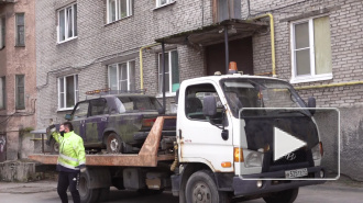В Выборге убирают автохлам с улиц и дворов города