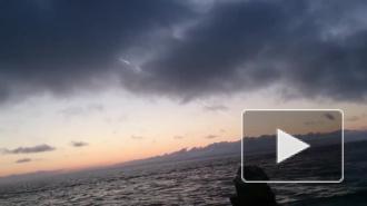 Очевидцы: над островом Русский взорвался метеорит