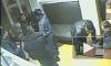 В Москве пьяные полицейские пытались ограбить человека, избивая его битами