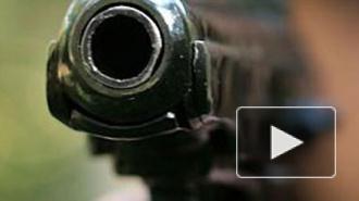 В Москве вооруженный преступник ворвался в школу, убил охранника и взял в заложники детей