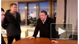 Избиение депутатами директора украинского телевидения попало на видео