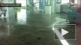 Ливень затопил аэропорт Сочи. Вода в зале прибытия
