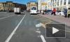 Маршрутка со сломанными тормозами врезалась в автобус на Смольном