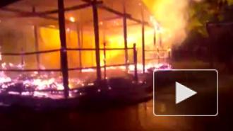 """Праздника в петербургском ресторане """"Сказка"""" не будет: постройка сгорела"""