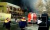 Очевидцы сняли на видео мощный пожар на стройке в центре Москвы