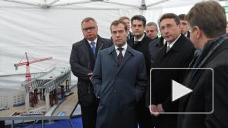 Пока Медведев катался по ЗСД, его ждали на Адмиралтейских верфях