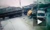 Костомукша: поезд разнес в хлам мощный грузовик на переезде