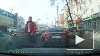 """Московский автохам обозвал Воронежского водителя """"нищебродом"""""""