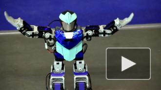 Робот-танцор отжег на открытии инновационного форума