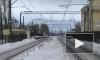 Пассажир загадочно скончался в электричке на станции Царское Село