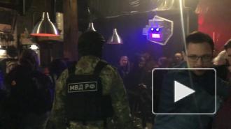 """Во время рейдов по клубам и барам Петербурга нашли наркотики и """"веселящий"""" газ"""