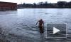 """Петербургские """"моржи"""" купаются в водоемах, пока не наступили заморозки"""