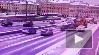 Массовое ДТП на Благовещенском мосту заблокировало проезд