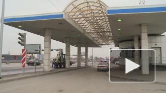 ДТП в Санкт-Петербурге: на КАД вертолет забрал пострадавших в аварии, под городом погиб 17-летний парень