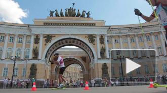 Олимпийцы пробежались на лыжах по Дворцовой