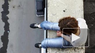 Петербургская пятиклассница бросилась с балкона, обвинив в своей смерти коллекторов