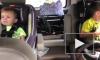 Видео: малыши в машине энергично зажигают под ритмы рока