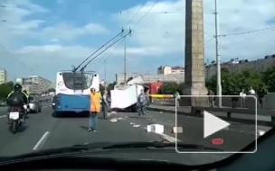 ДТП на Володарском мосту затруднило движение